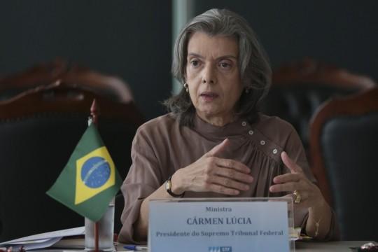 Brasília - A presidente do Supremo Tribunal Federal (STF), Cármen Lúcia, se reúne com os presidentes dos 27 tribunais de Justiça do país, no STF (José Cruz/Agência Brasil)