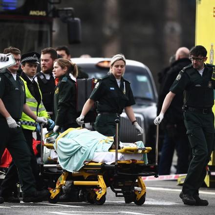 Você não deve culpar o Islã pelo terrorismo. A religião não é um fator crucial em ataques