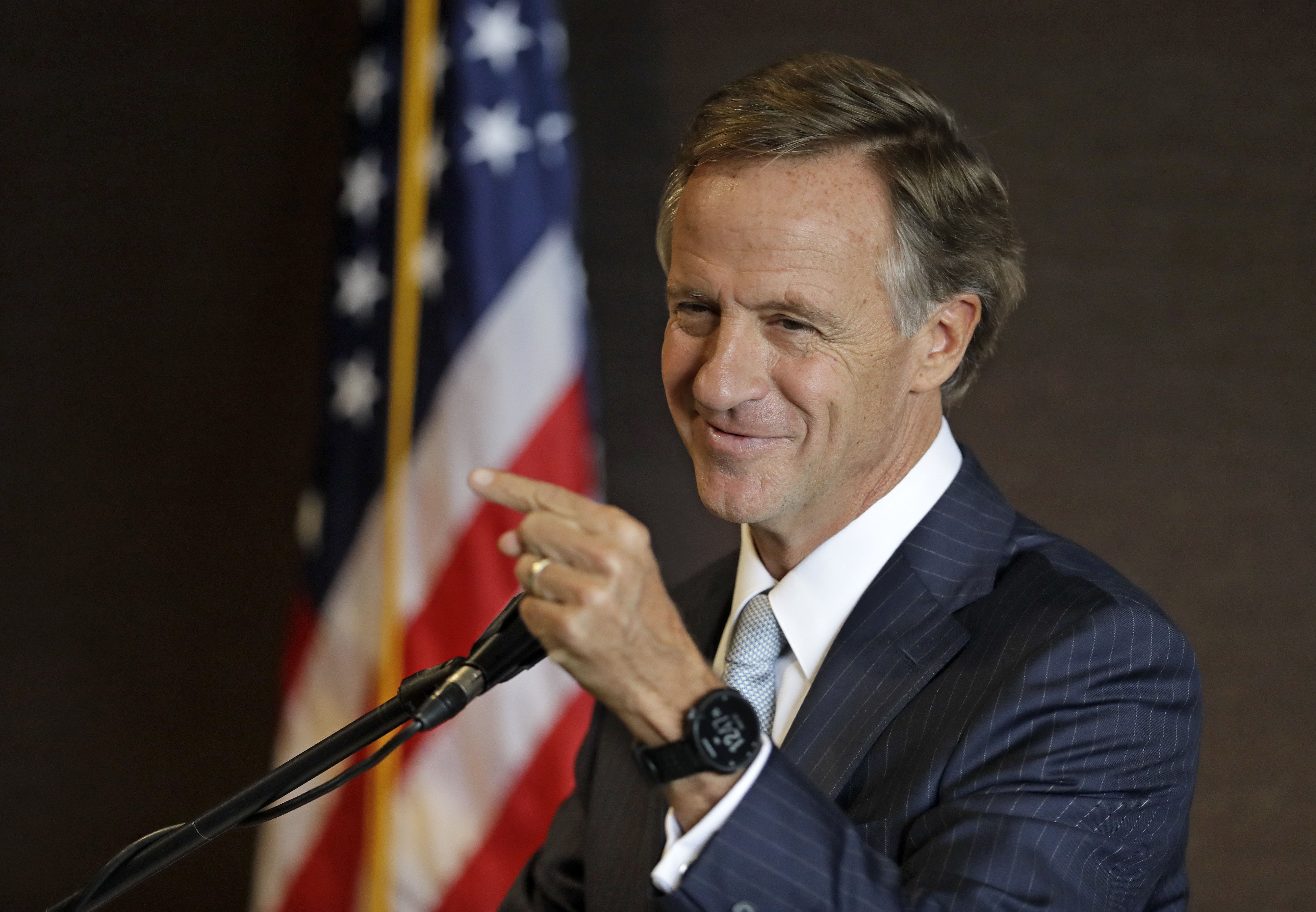 Tennessee's Billionaire Governor Works With His Corporate Buddies To Privatize Government Jobs