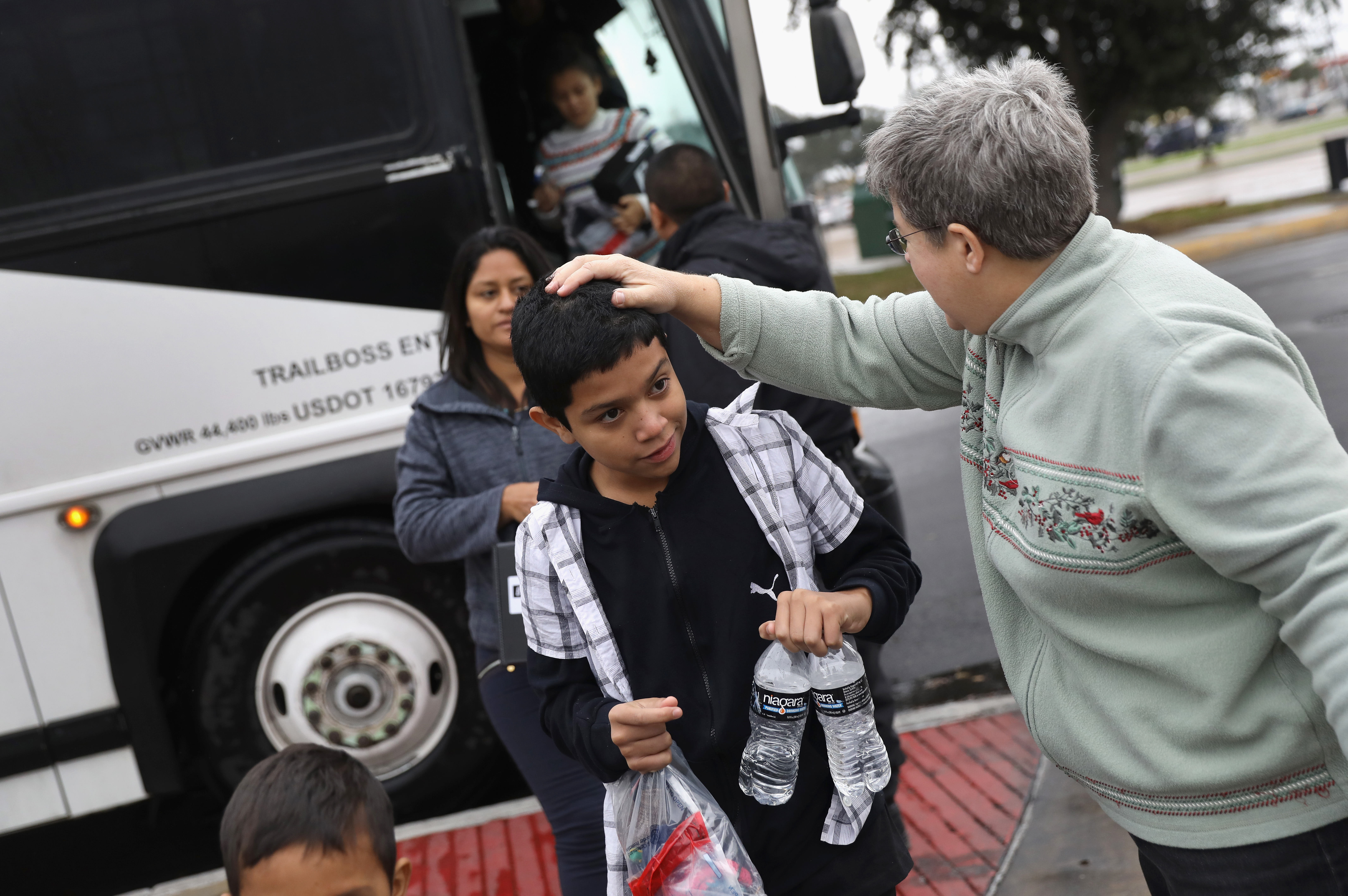 many immigrants seek political asylum in the united states of america 2018-6-18 jose osmin aparicio wants to claim political asylum in the united states because his  america wait to request political asylum  how many asylum claims.