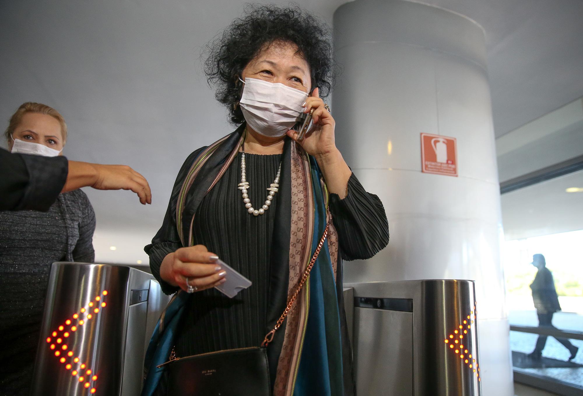 BRASILIA, DF,  21-05-2020:  A médica oncologista e imunologista Nise Yamaguchi, que defende o uso da cloroquina no tratamento da covid-19, chega ao palácio do Planalto na manhã de hoje. (Foto: Pedro Ladeira/Folhapress)